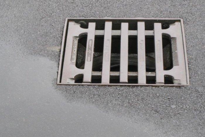 pripojiť k mestu kanalizácie náklady